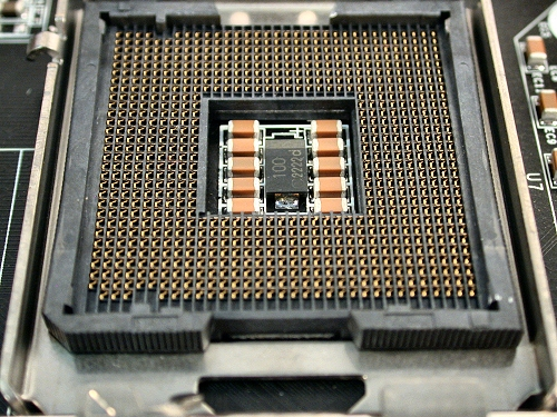 http://jailangkung.files.wordpress.com/2008/11/lga775-socket.jpg?w=640